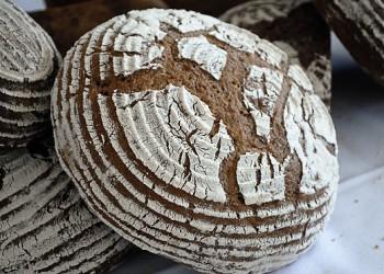 Keywords: bochník;bread;Chléb;pe?ivo